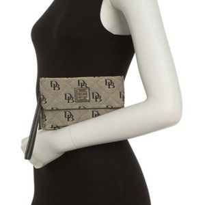 Dooney & Bourke NWT Quilted Logo Milly Wristlet